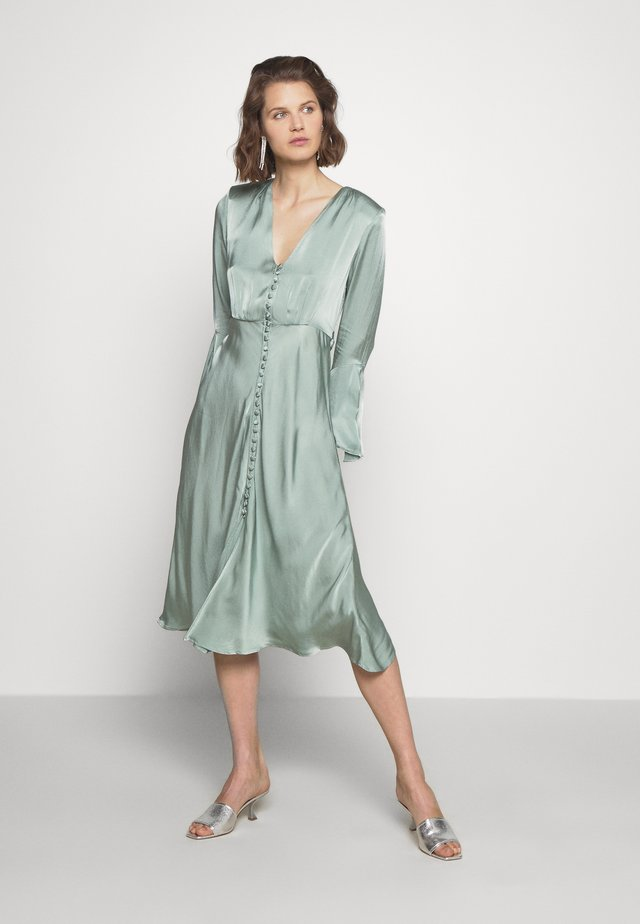 ANNABELLE DRESS - Abito a camicia - green