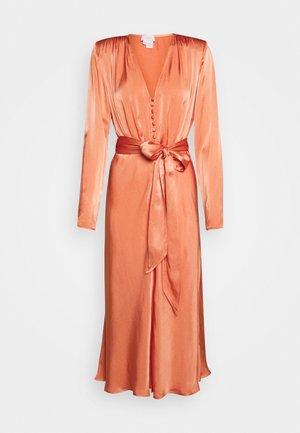 MERYL DRESS - Paitamekko - orange