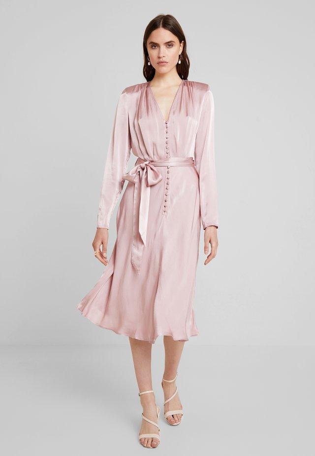 MERYL DRESS - Skjortekjole - rose