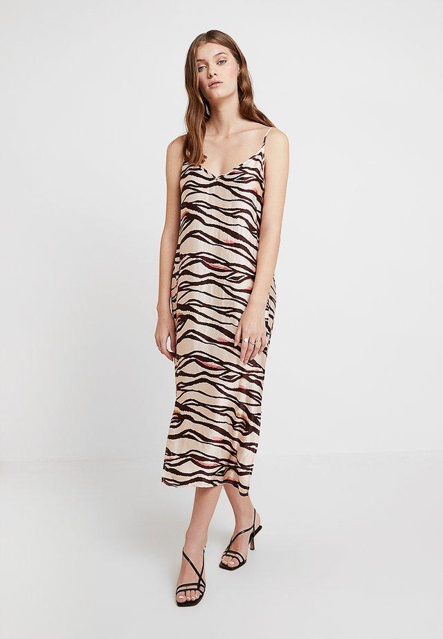 HEIDI DRESS - Kjole - brown