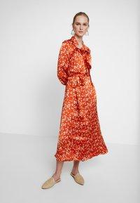 Ghost - LYN DRESS - Košilové šaty - orange - 2