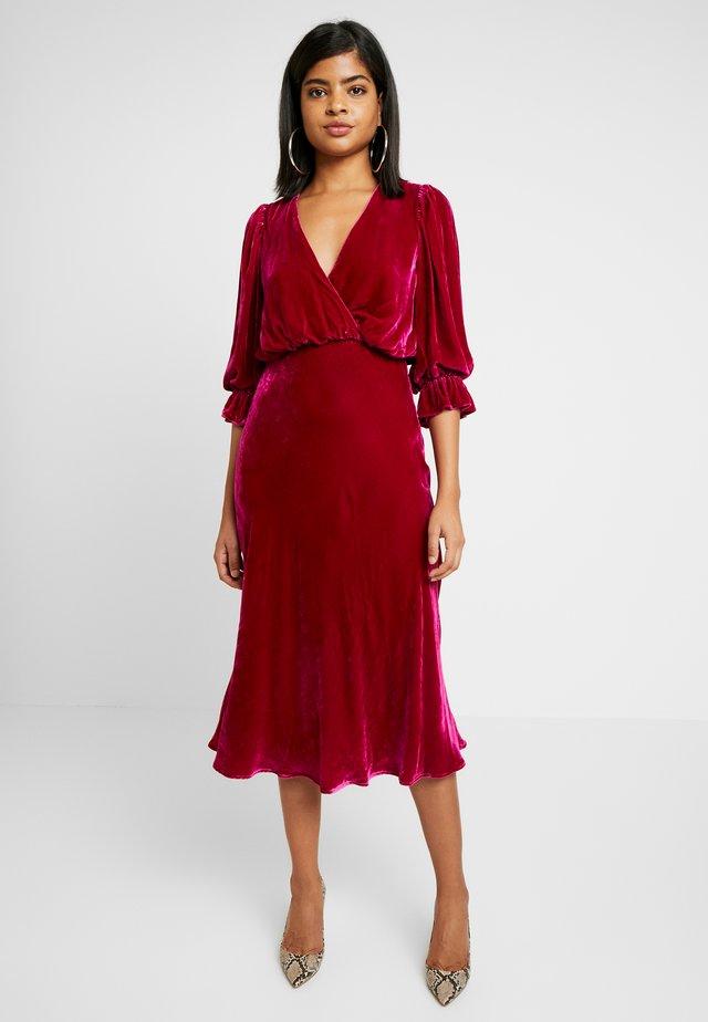 GRACIE DRESS - Freizeitkleid - pink