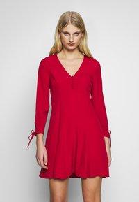 Ghost - CHARLINE DRESS - Skjortekjole - chilli paper - 0