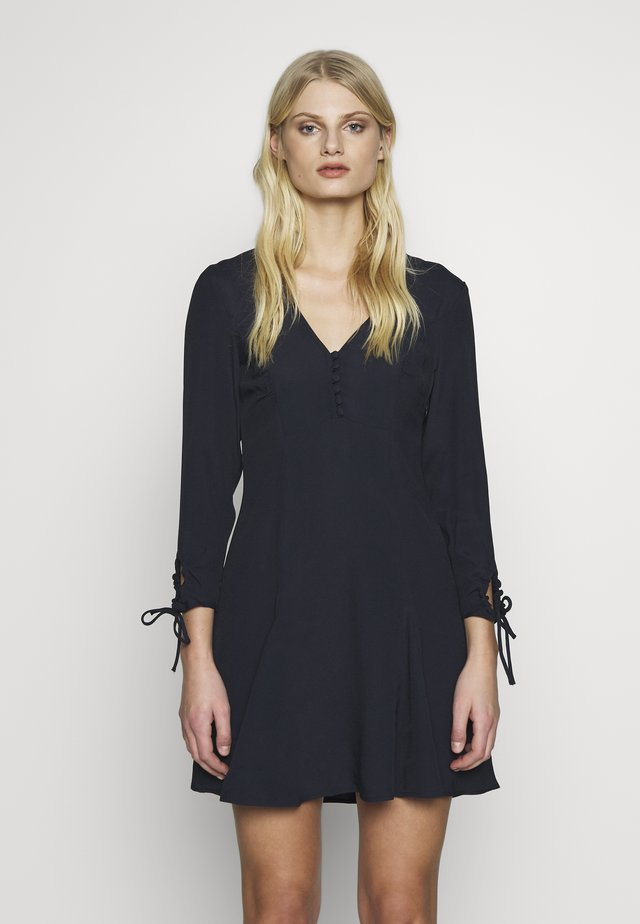 CHARLINE DRESS - Skjortklänning - dark blue