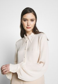 Ghost - BLOUSE - Button-down blouse - ivory - 3