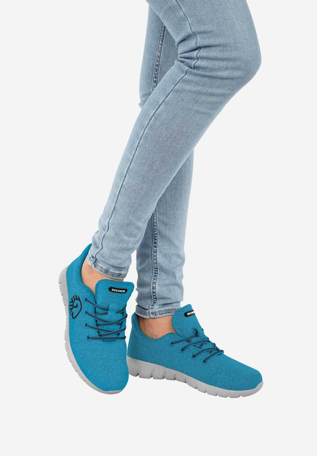 RUNNERS - Baskets basses - turquoise