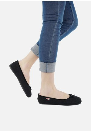 HOHENAU - Chaussons - black