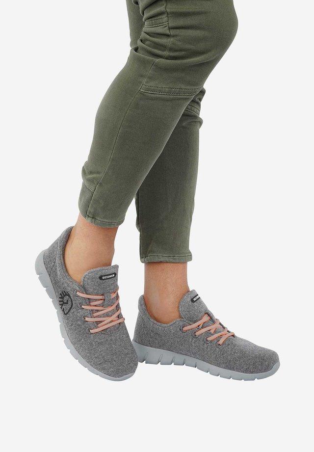 MERINO RUNNERS - Sneaker low - grey