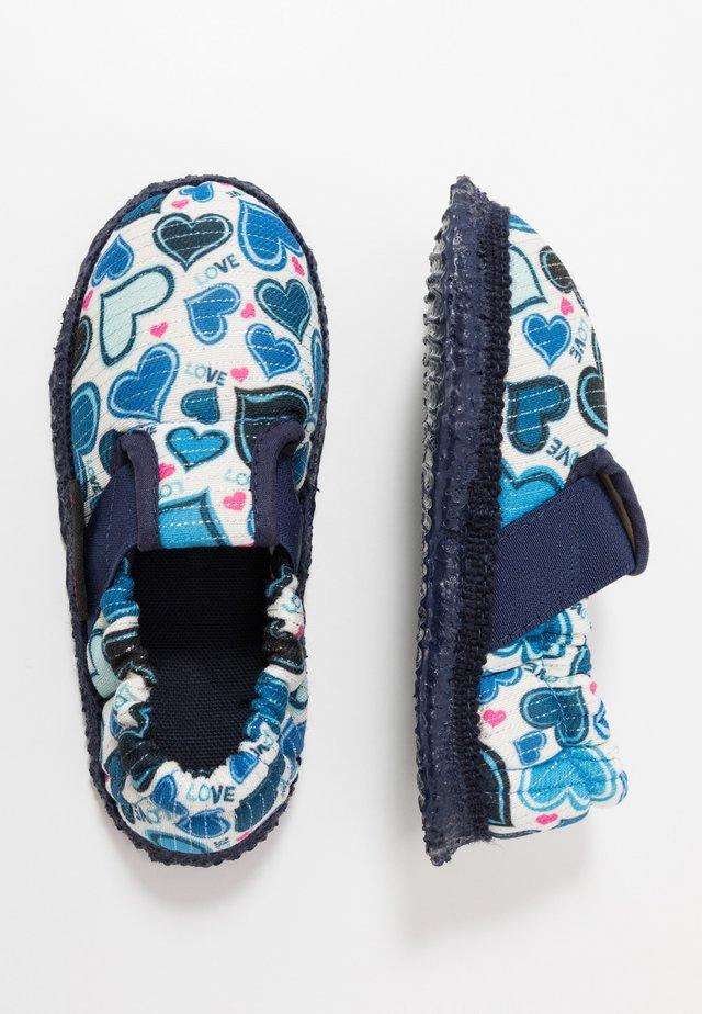 AMERANG - První boty - capriblau