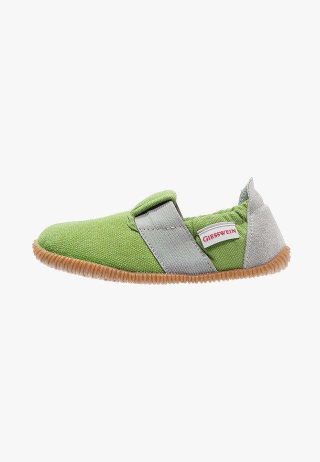 SÖLL - Domácí obuv - gras