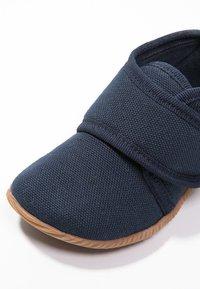 Giesswein - STRASS - Domácí obuv - dunkelblau - 5