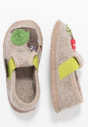 TEUNZ - Domácí obuv - natur