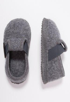 TÜRNBERG - Domácí obuv - schiefer