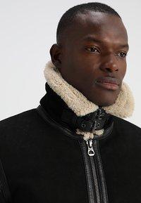 Gipsy - AIR FORCE - Leather jacket - schwarz/beige - 3