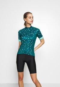 Giro - CHRONO SPORT - Print T-shirt - true spruce blossom - 0