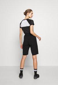 Giro - ARC SHORT - kurze Sporthose - black - 2