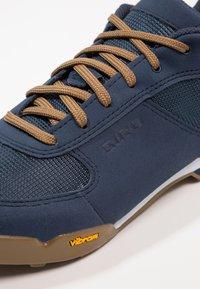 Giro - RUMBLE - Buty rowerowe - dress blue - 5
