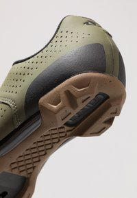 Giro - PRIVATEER LACE - Fahrradschuh - olive/gum - 5