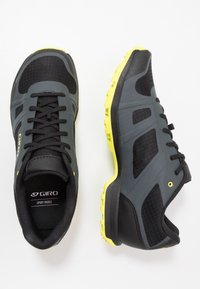 Giro - GAUGE - Cycling shoes - dark shadow/citron - 1