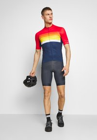 Giro - CHRONO EXPERT - T-Shirt print - bright red horizon - 1