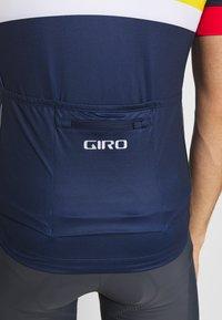 Giro - CHRONO EXPERT - T-Shirt print - bright red horizon - 5