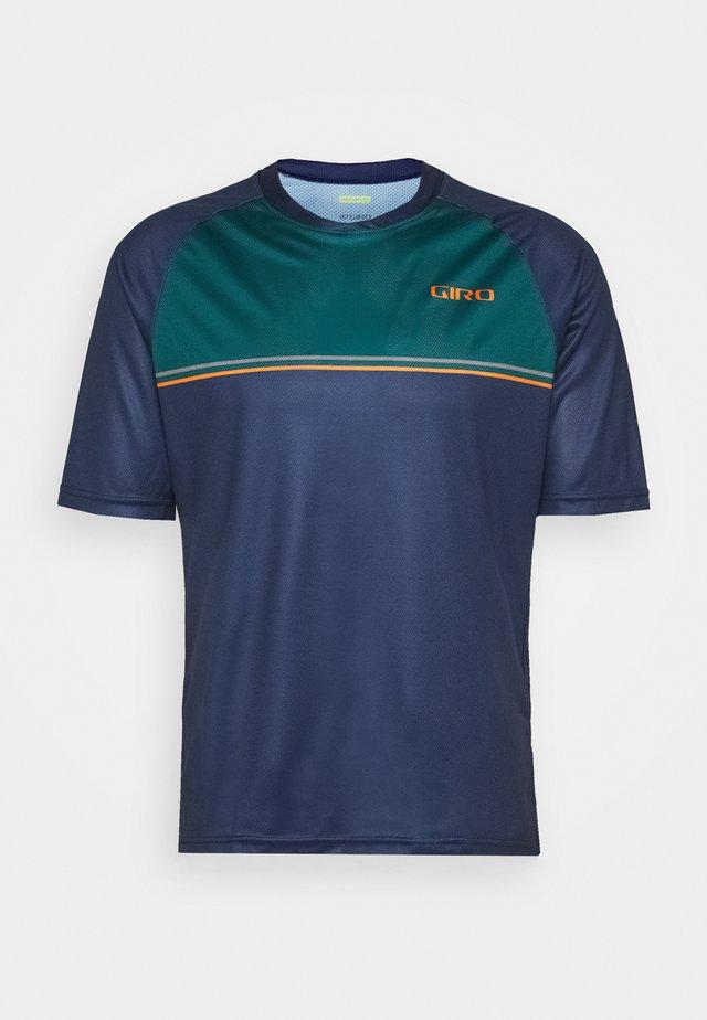ROUST - T-shirt med print - midnight pablo