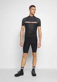 Giro - GIRO CHRONO SPORT - Print T-shirt - black classic - 1