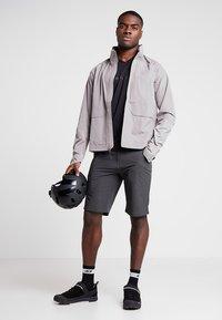 Giro - VENTURE - Sports shorts - charcoal - 1