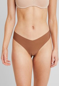 Gilly Hicks - NO SHOW THONG 3 PACK - Stringit - nude/berry wine/mocha - 1