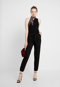 Gina Tricot - INES TROUSERS - Trousers - black - 2