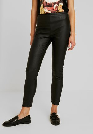 EXCLUSIVE MARY TROUSERS - Stoffhose - black