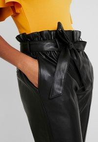 Gina Tricot - Spodnie materiałowe - black - 4