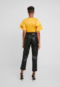 Gina Tricot - Spodnie materiałowe - black - 2