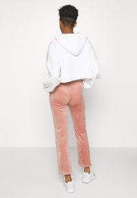 Gina Tricot - CECILIA TROUSERS - Verryttelyhousut - ash rose - 2