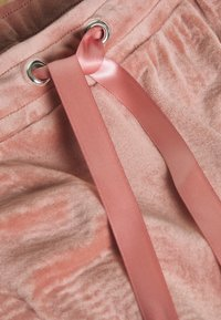 Gina Tricot - CECILIA TROUSERS - Tracksuit bottoms - ash rose - 2
