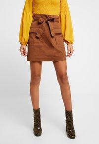 Gina Tricot - Spódnica mini - soft brown - 0