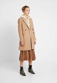 Gina Tricot - PAULINA SKIRT - A-line skjørt - camel beige/brown - 1
