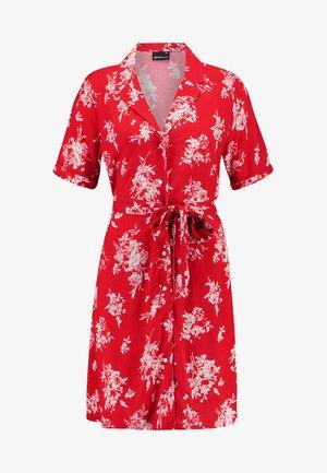 BLENDA BUTTON DOWN DRESS - Košilové šaty - blossom red