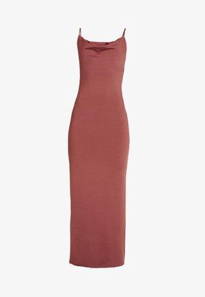 SUZY SLIP DRESS - Robe longue - marsala