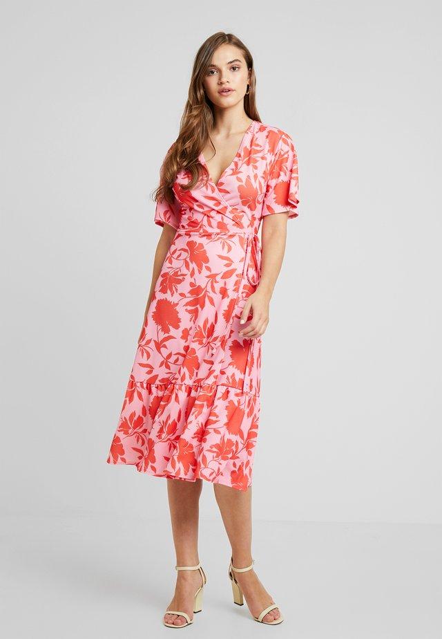 VICKY WRAP DRESS - Maxikjoler - pink