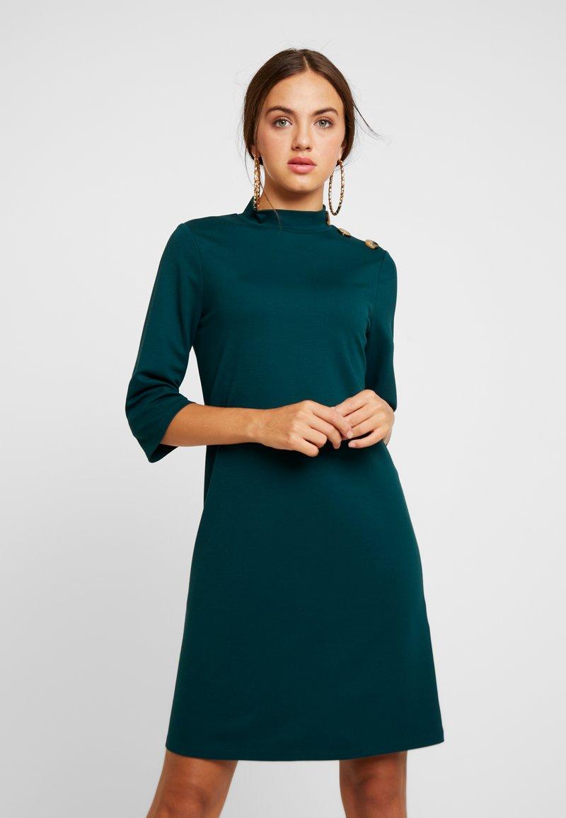 Gina Tricot - EXCLUSIVE ALICIA DRESS - Jerseykleid - ponderosa pine