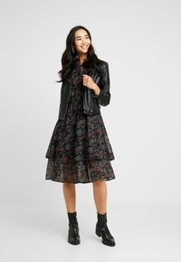 Gina Tricot - SUSANNA DRESS - Sukienka letnia - black - 2