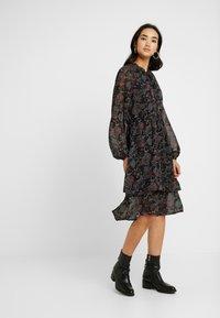 Gina Tricot - SUSANNA DRESS - Sukienka letnia - black - 0