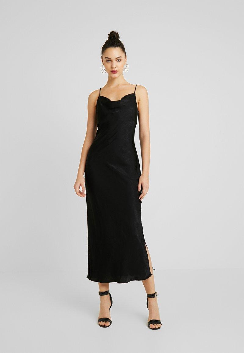 Gina Tricot - EXCLUSIVE SANDY SLIP DRESS - Korte jurk - black