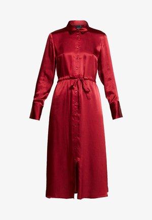 LOVISA DRESS - Košilové šaty - pomegranate