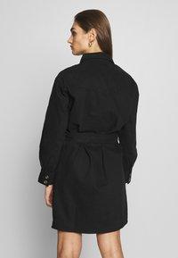 Gina Tricot - SILJE DRESS - Dongerikjole - black denim - 2