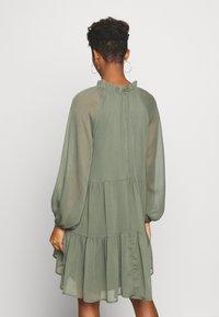 Gina Tricot - ALFINA DRESS - Denní šaty - beetle - 2