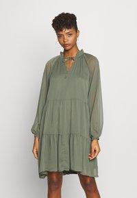 Gina Tricot - ALFINA DRESS - Denní šaty - beetle - 0