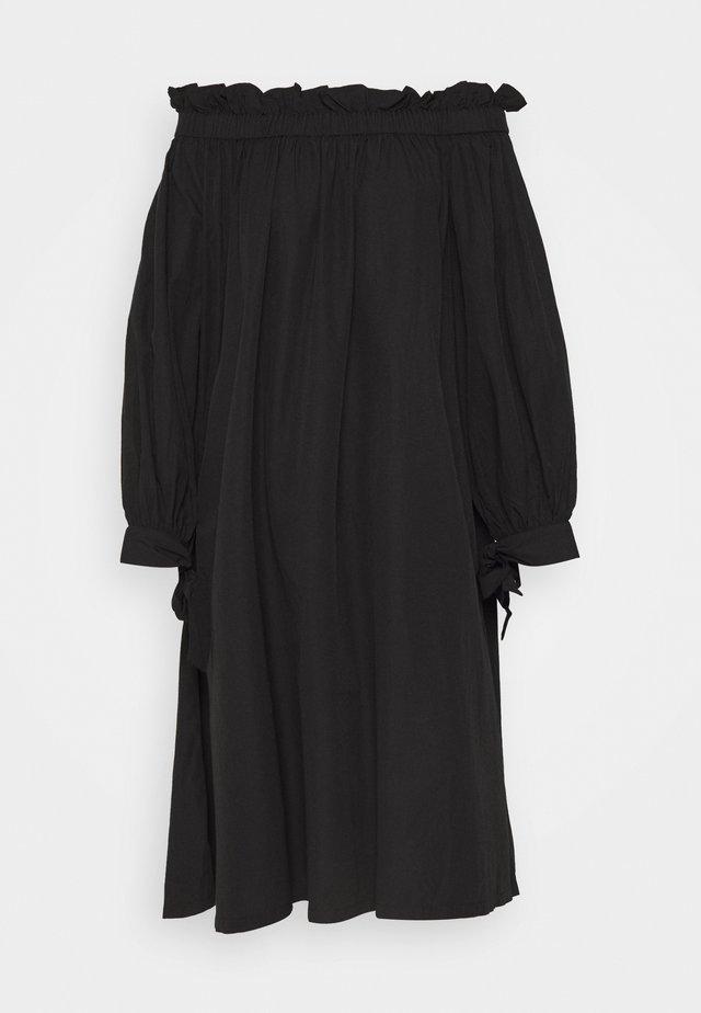KAMILA OFFSHOULDER DRESS - Denní šaty - black
