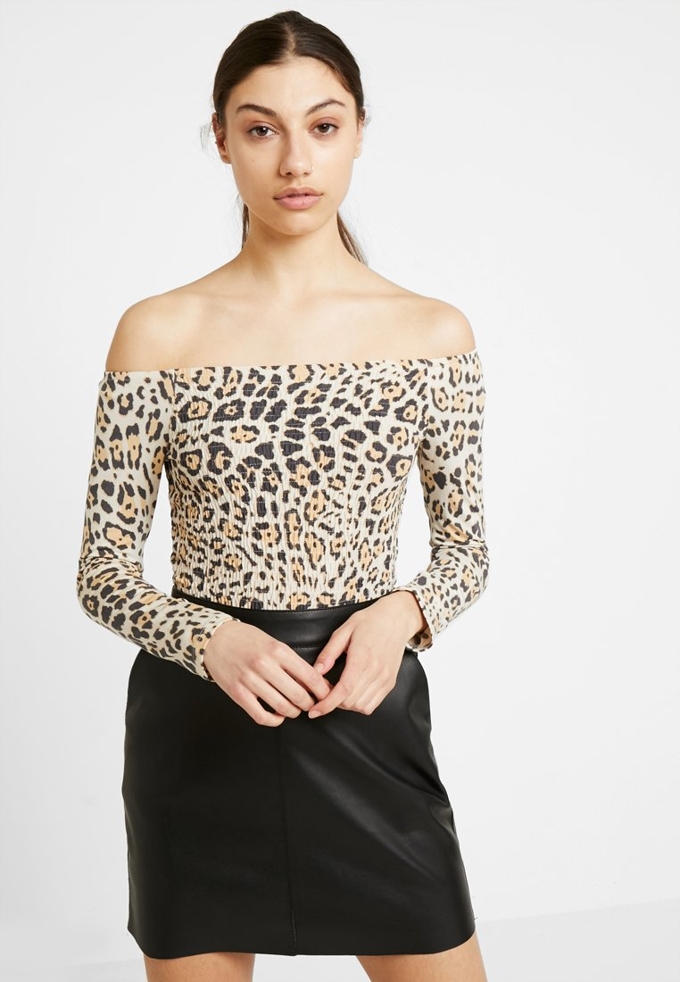 Gina Tricot - KIMMY OFF SHOULDER - T-shirt à manches longues - yellow/black